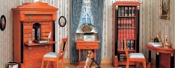 Kleines Biedermeier Schreibzimmer in blau