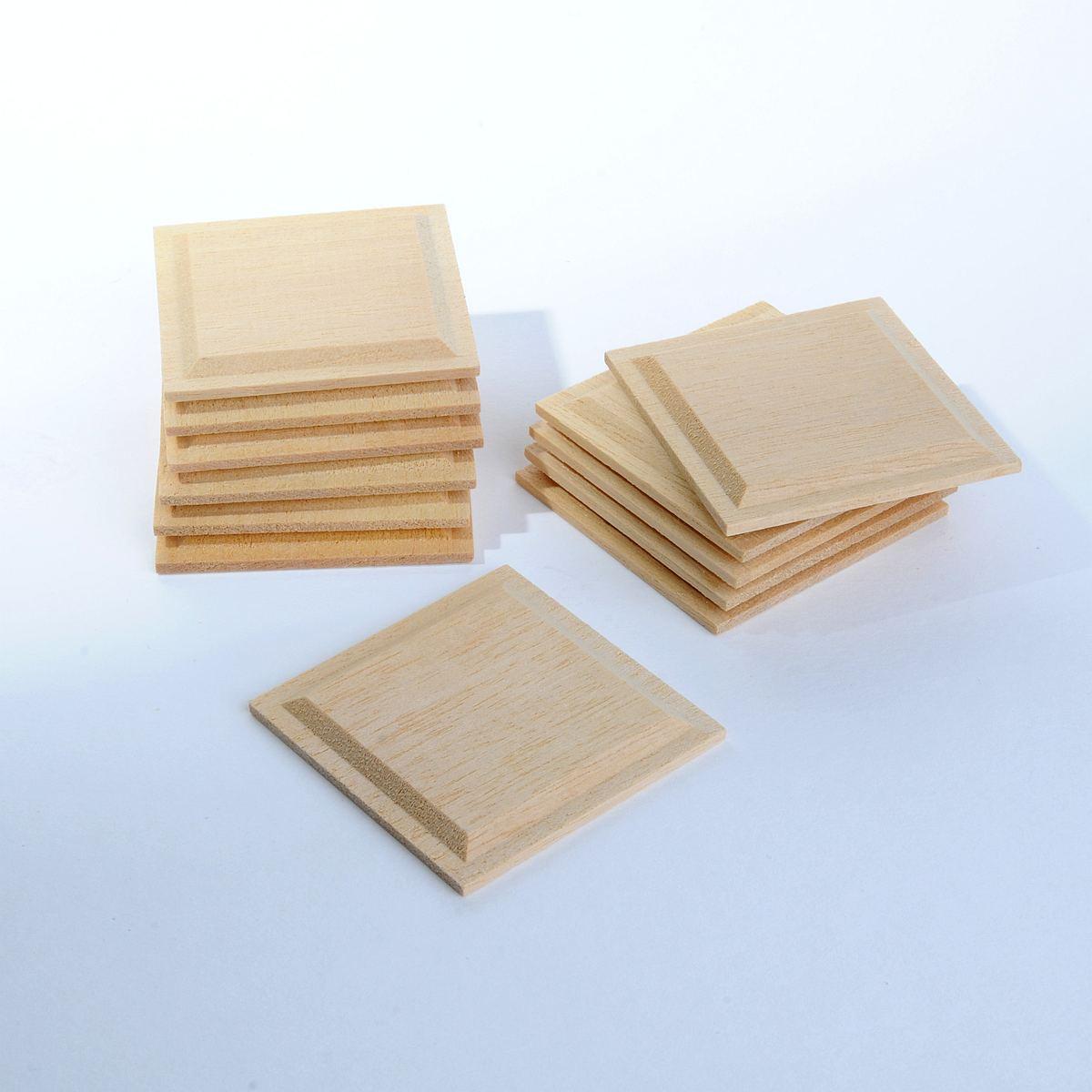 Quadratische Holzpaneele